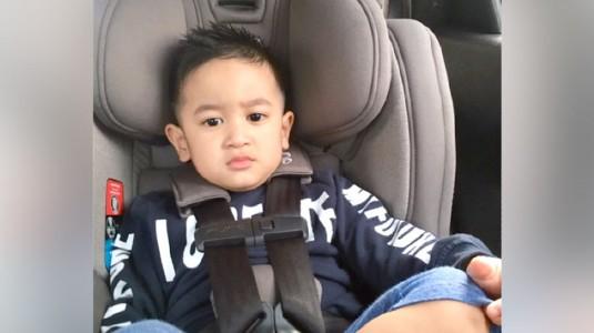 Tips Mendisiplinkan Anak Duduk di Car Seat