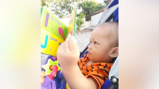 Tips Mengakrabkan Anak dengan Buku