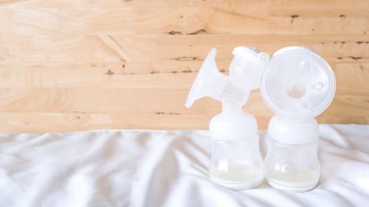Benarkah Menstruasi Memengaruhi ASI? Bagaimana jika ASI Drop?