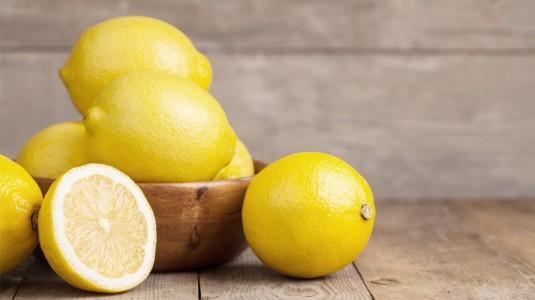 3 Manfaat Jeruk Lemon bagi Kehamilan
