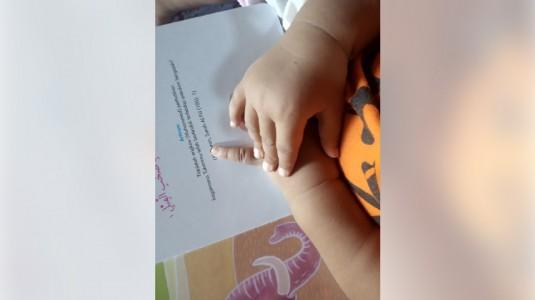 Cara Aman Membersihkan Tangan Si Kecil