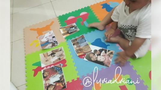 Ide Bermain: Mengenal Anggota Keluarga Melalui Foto