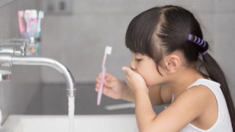 Bahaya Fluoride dalam Pasta Gigi Si Kecil