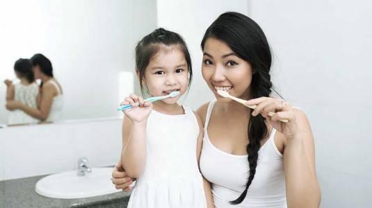 Tips Agar Anak Mau Dan Enjoy Saat Menyikat Gigi