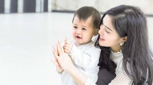 Apa Yang Terjadi Di Usia Bayi 9 Bulan?