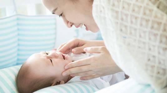 Apa Yang Terjadi Di Usia Bayi 1 Bulan?