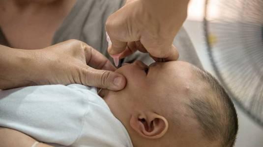 Kenali Cara Pemberian Vaksin Polio Si Kecil