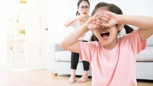 4 Kesalahan Fatal Yang Dilakukan Orangtua Dalam Mendidik Anak