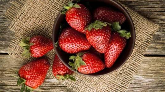 Ragam Khasiat Stroberi Untuk Ibu Hamil