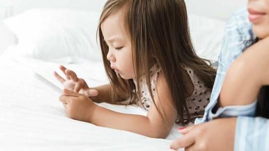 Perlukah Membuat Akun Media Sosial untuk Anak?