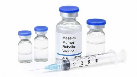 Moms, Yuk Ketahui Manfaat dan Efek Samping Imunisasi Campak untuk Bayi