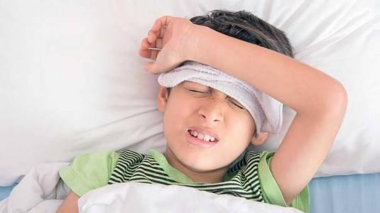 5 Cara Ampuh Mengatasi Demam Setelah Imunisasi