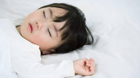 Penyebab Si Kecil Susah Tidur