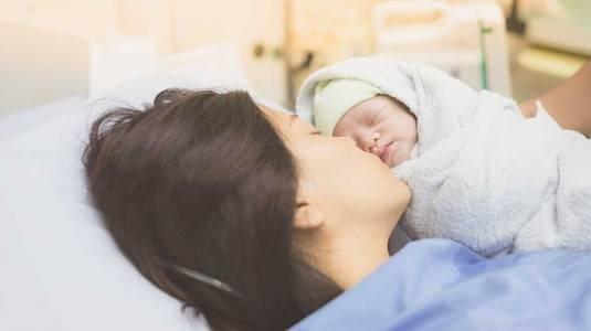 Tips Melahirkan Normal untuk Anak Pertama