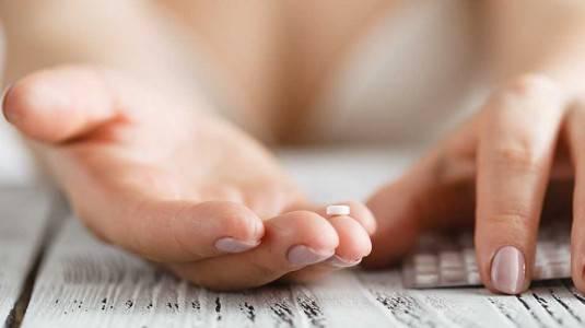 Mengenal Risiko Penggunaan Pil KB dan IUD