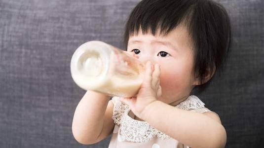 Si Kecil Tetap Kurus Walau Minum ASI, Mengapa?