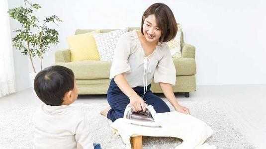 Bagaimana Cara Menjaga Anak Sekaligus Mengurus Rumah Tangga?