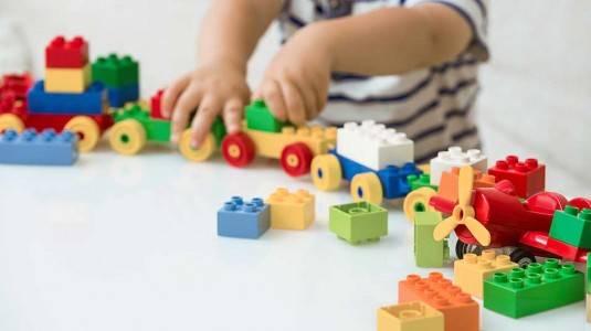 Pertimbangan Sebelum Membeli Mainan Anak