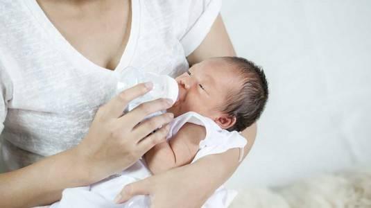 Tips Sukses Menyusui untuk New Moms