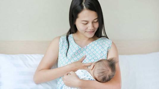 Apakah Bayi Boleh Meminum ASI yang Berwarna?