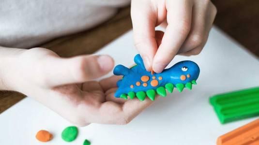Ragam Manfaat Lilin Mainan untuk Anak