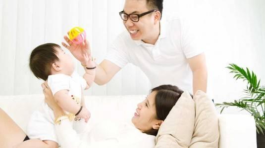 Bagaimana Cara Bayi Belajar Berkomunikasi?