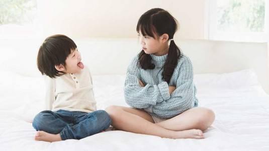 Menyikapi Sibling Rivalry antara Kakak dan Adik