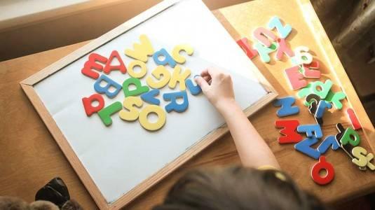 Kiat-kiat Bantu si Kecil Pahami Konsep Berbahasa