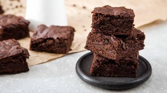 Brownies Coklat: Camilan Kesukaan si Kecil