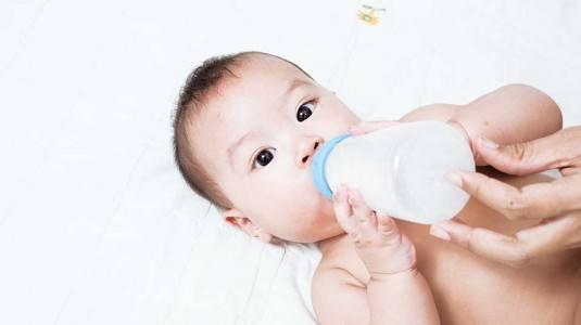 Cara Melindungi Kesehatan Gigi Bayi
