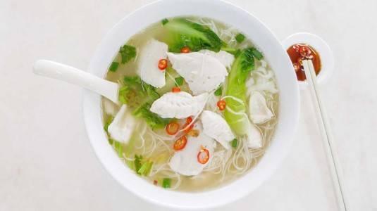 Misoa Kuah Ikan Dori Sayur Oyong dan Tomat (12 M+)