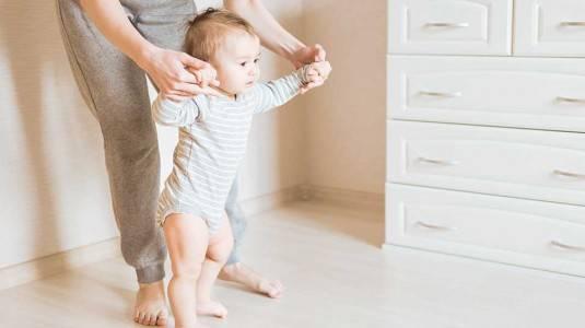 Apa Penyebab Anak Terlambat Berjalan?