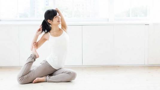 Benarkah Yoga Membuat Calon Ibu Cepat Hamil?