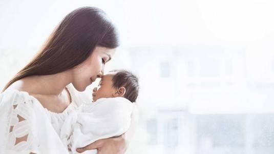 Cara Selamat Menjadi Ibu Baru di Bulan Pertama