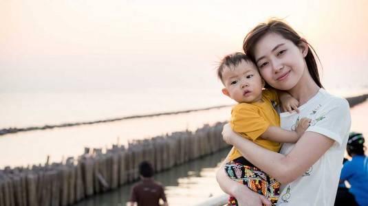 Cara Mom Dian Mengajarkan Makna Hari Pahlawan pada si Kecil