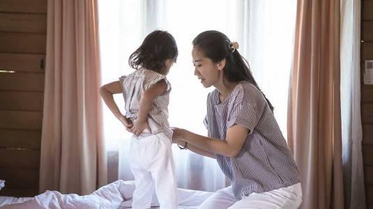 Apakah Pengasuh Mempengaruhi Tumbuh Kembang Anak?