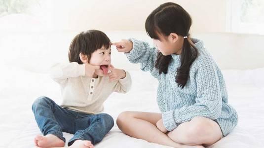 Bagaimana Tangani si Kecil yang Bertengkar dengan Temannya?