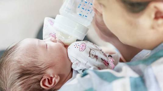 Tips Menurunkan Demam pada Bayi Tanpa Obat