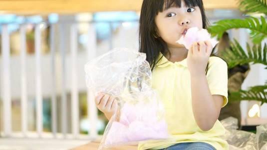 Sugar Rush Membuat Anak Menjadi Hiperaktif?