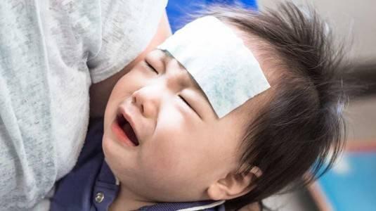 Perlukah Segera ke Dokter Jika Anak Sakit?