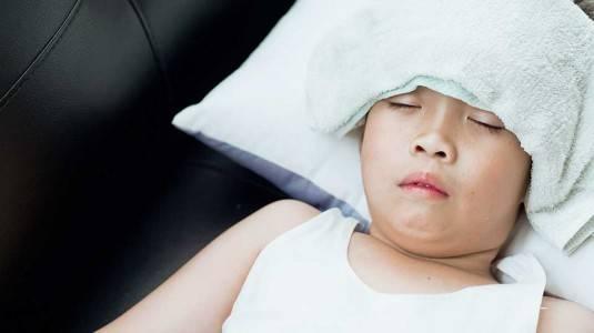 Cara Mengatasi Anak Demam Setelah Imunisasi