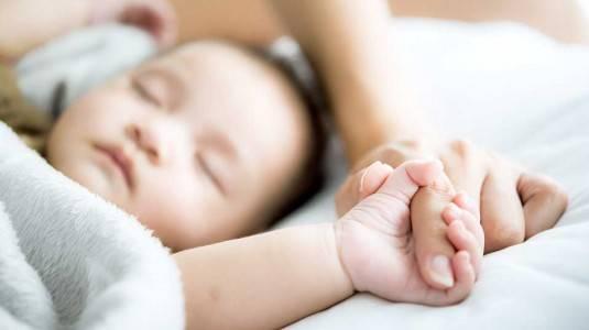 Mengulik Mitos dan Fakta Bayi Baru Lahir