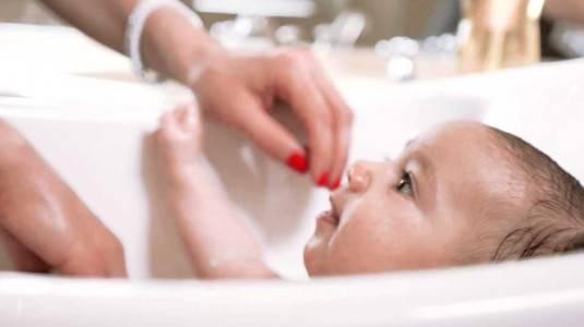 Review Baby Tub Aqua Scale