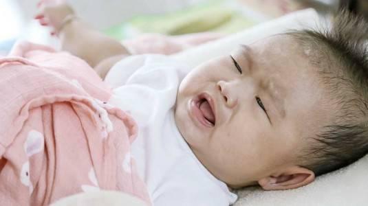 Mengatasi Batuk dan Pilek pada Bayi Tanpa Obat-Obatan