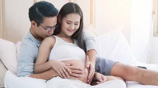 6 Perubahan Suami Ketika Istri Lagi Hamil