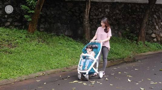 Mana yang Lebih Penting? Stroller Ringan atau Stroller Kuat?