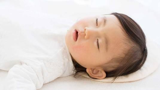 Penanganan Tepat Flat Head Syndrome pada Bayi