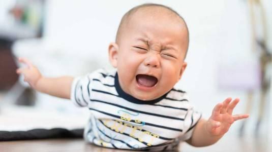Penyebab Bayi Suka Menjerit dan Cara Mengatasinya