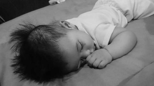 Cara agar Bayi Tidak Selalu Digendong sebagai Pengantar Tidur