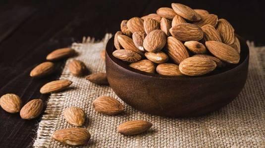 Manfaat Kacang Almond untuk Ibu Menyusui